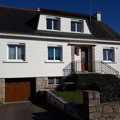 Fenêtres, porte d''entrée en PVC, volets roulants solaires et porte de garage - Pontivy, Morbihan