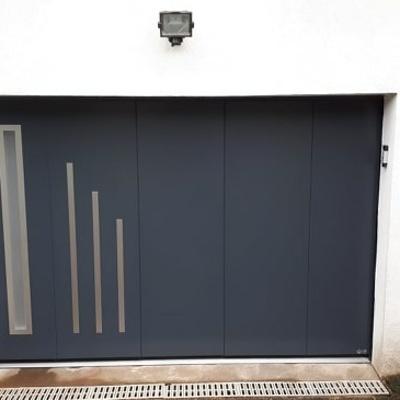 Porte de garage Latérale motorisée en acier - Pontivy (56)