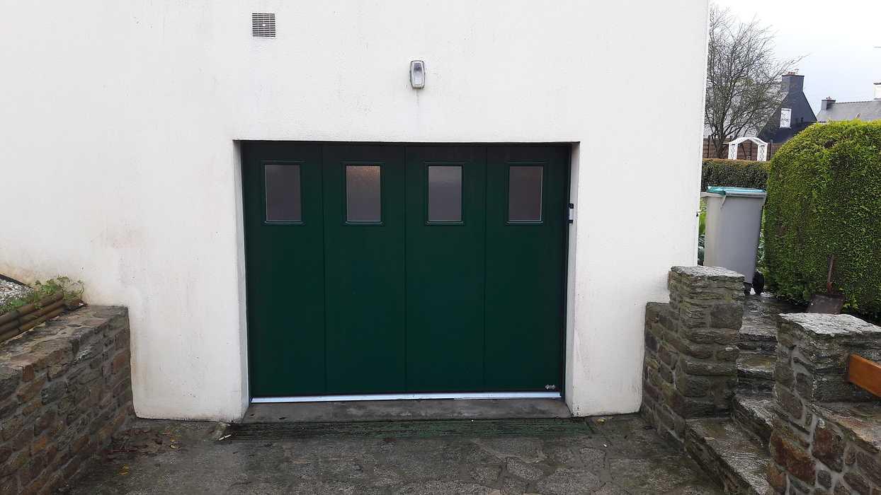 Porte de Garage latérale motorisée Plouguenast (22) - Secteur Loudéac 0